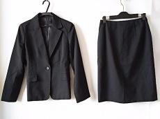 ラティールのスカートスーツ