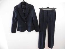 エティックのレディースパンツスーツ