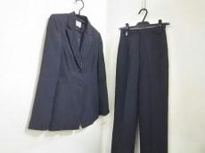 ビーガムのレディースパンツスーツ