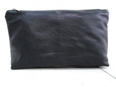 グースィーのセカンドバッグ