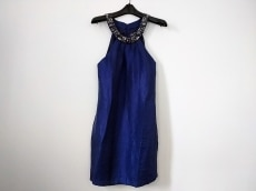 アレクシアアドマーのドレス