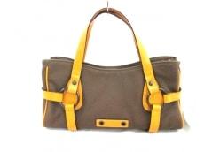 フォンタナのハンドバッグ