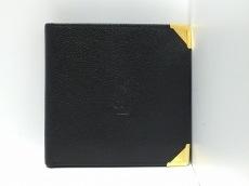 YvesSaintLaurent(イヴサンローラン)/2つ折り財布