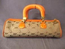 ベイビーファットのハンドバッグ