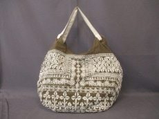 KAVITA BHARTIAのショルダーバッグ