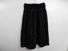 フガフガのスカート