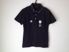 アームドのポロシャツ