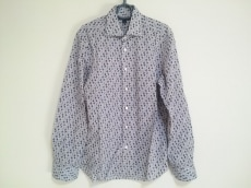 エムピーマッシモピオンボのシャツ