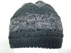 カロリナグレイサーの帽子