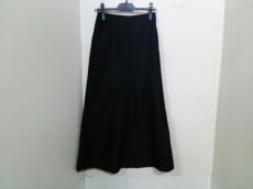 マディソンブルーのスカート