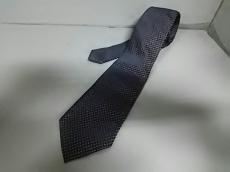 ピオンボのネクタイ