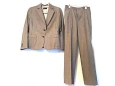2eCLASSE(ドゥーズィエムクラス)のレディースパンツスーツ