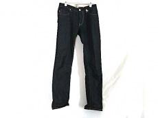 トラマロッサのジーンズ