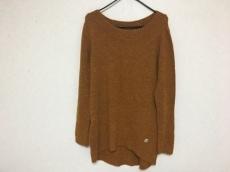 ジュリアガーネットのセーター
