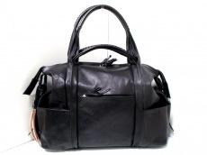 コーネリアンタウラスのショルダーバッグ