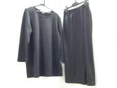 マリナベーシックのスカートセットアップ