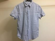 セーブカーキユナイテッドのシャツ