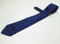 ニックブロンソンのネクタイ