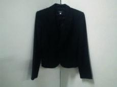 ナチュラルビューティーブラックのジャケット