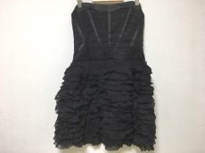 ベベのドレス
