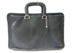 COACH(コーチ)のレザー エンバシー ブリーフケースのビジネスバッグ