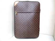 LOUIS VUITTON(ルイヴィトン)のペガス70のキャリーバッグ