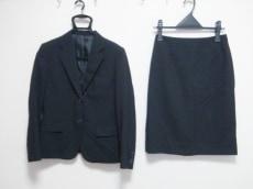 イマジナチオーネのスカートスーツ