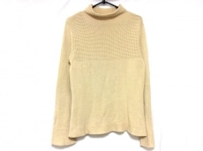 フルクサスのセーター