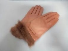 ニーシャ クロスランドの手袋