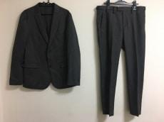 マクティグのメンズスーツ