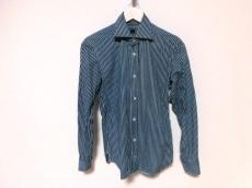 MP di Massimo Piombo(エムピーディマッシモピオンボ)のシャツ