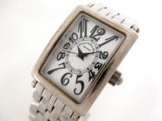 アレッサンドラ・オーラの腕時計