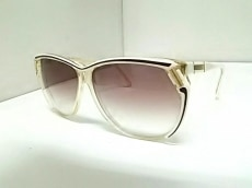 リンダファローのサングラス