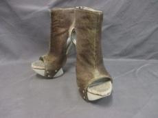 カミラスコブガードのブーツ
