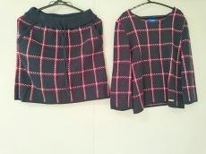 ブルーレーベルクレストブリッジのスカートセットアップ