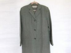 アイザック・ミズラヒのコート