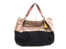メローイエローのハンドバッグ