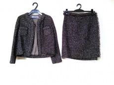 エムズブラックのスカートスーツ