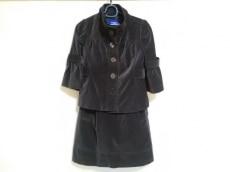 バーバリーブルーレーベルのワンピーススーツ