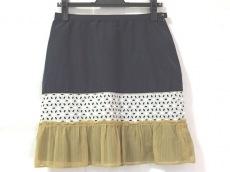 デラックスのスカート