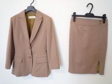 インタープラネットウィングのスカートスーツ