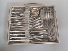 アンジェラカミングスの食器