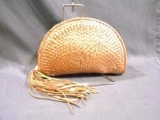 ヘレンカミンスキーのクラッチバッグ