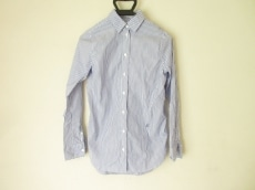 マディソンブルーのシャツ