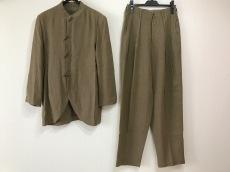 ヨーガンレールのレディースパンツスーツ