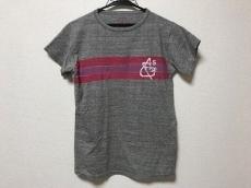 フォーティーファインクロージングのTシャツ