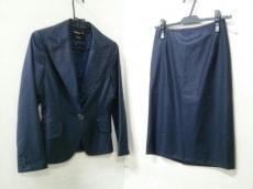 クリーシェのスカートスーツ