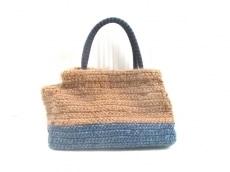 カカトゥのハンドバッグ
