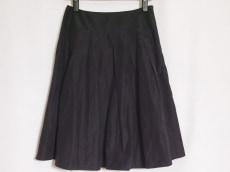ヌークのスカート