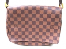 LOUIS VUITTON(ルイヴィトン)のミュゼット・タンゴ(ロングストラップ)のショルダーバッグ